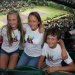Парадокс! Юные игроки наблюдая в живую мастеров по теннису начинают играть лучше.